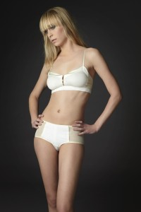 Classic_Soft Bra + Boy Short in Cream_Brulee