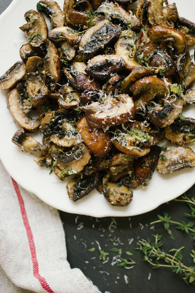 baked lemon thyme mushrooms