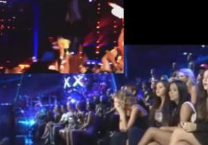 Taylor Swift reacting