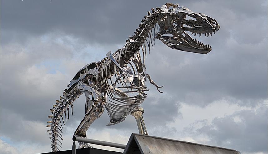 Tyrannosaurus Rex scultpure, Paris
