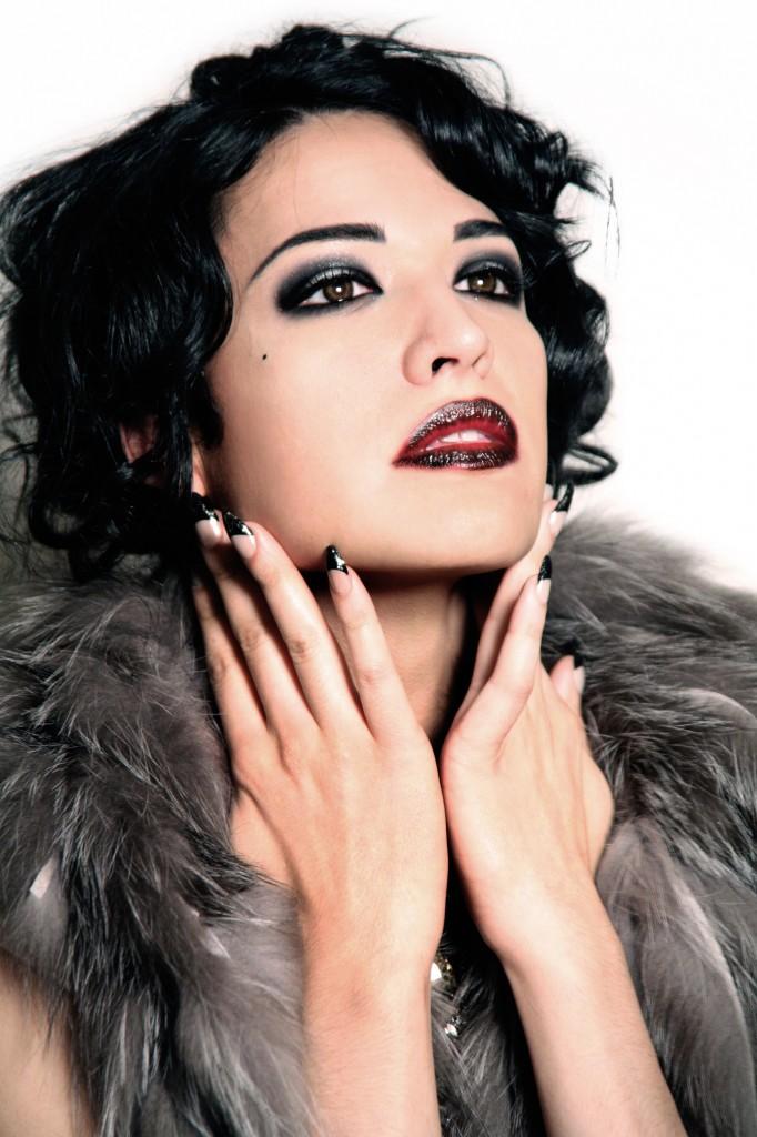 nadia e, transgender model
