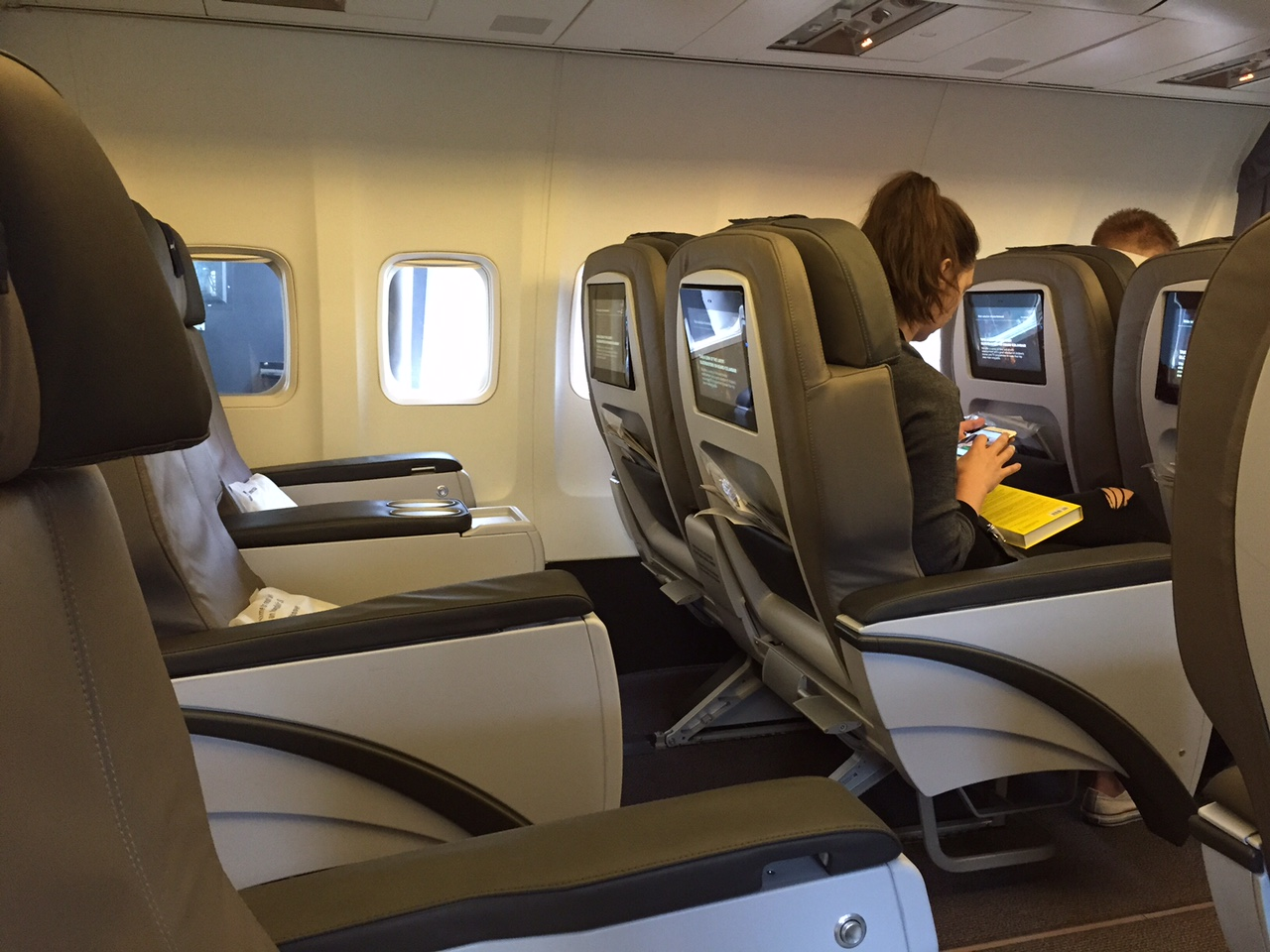Icelandair Saga Class Ok But Better Off In Economy