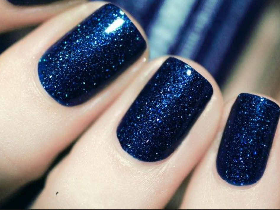 Navy Nail Polish is Everything for Summer | The Luxury Spot