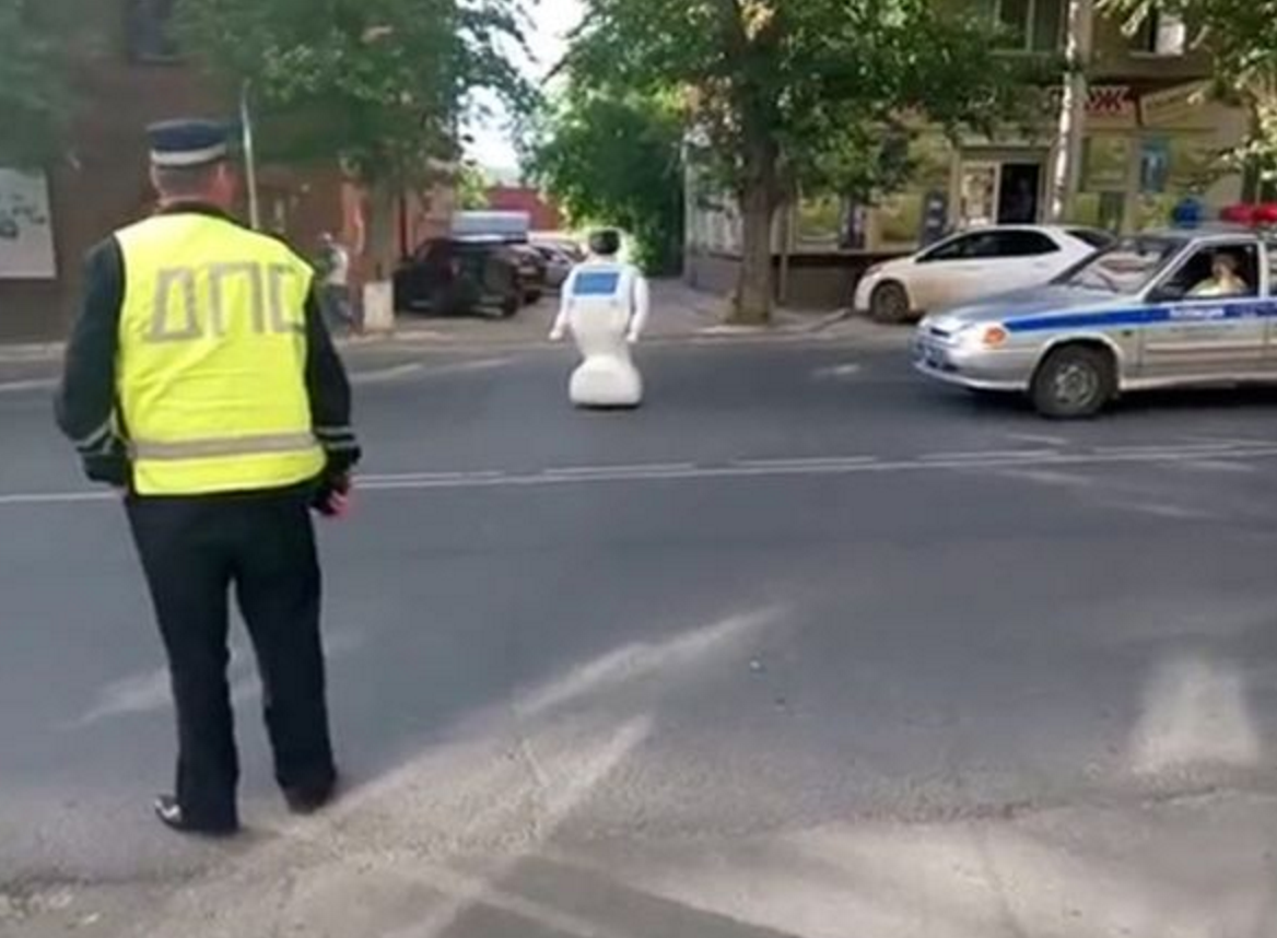 russian escaping robot