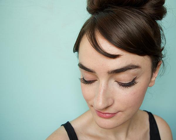 Diy Audrey Hepburns Makeup From Breakfast At Tiffanys The Luxury - Audrey-hepburn-makeup
