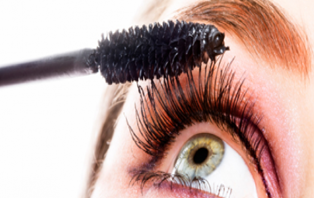 We Found The Best Mascaras For Sensitive Eyes The Luxury Spot