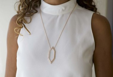 moderne monocle gold necklaces